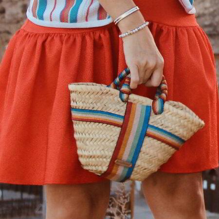 cesta de playa multicolor pequeña
